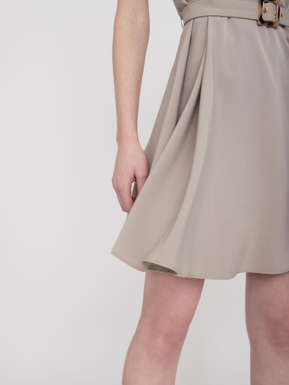 Платье Х-силуэта без рукавов