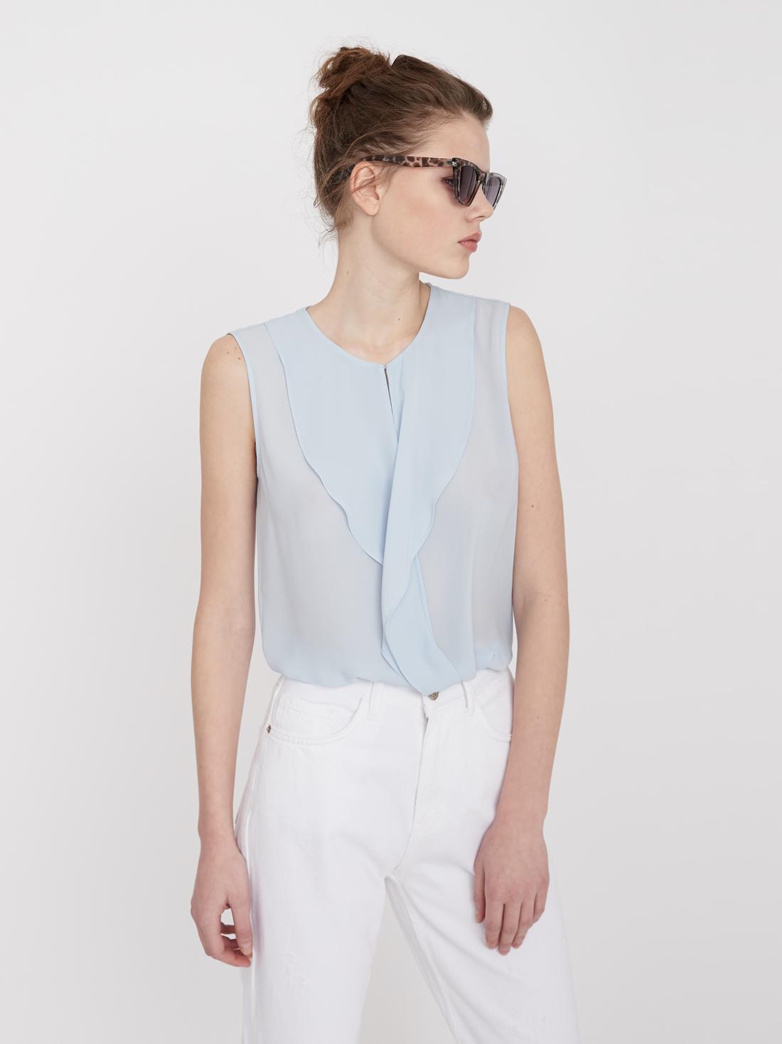 Блузка с воланами