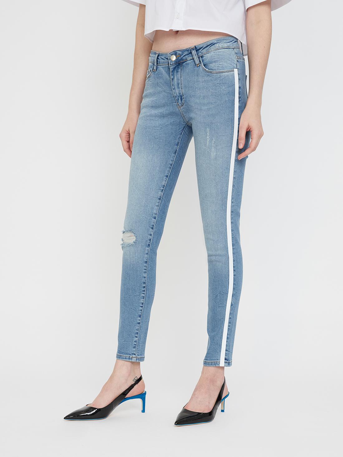 Укороченные джинсы с лампасами