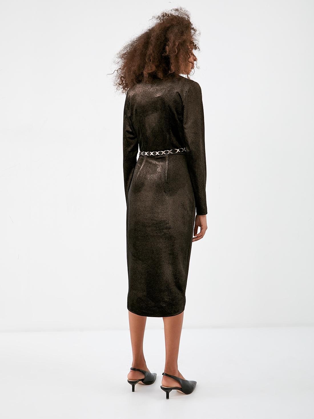 Платье из бархатистой ткани