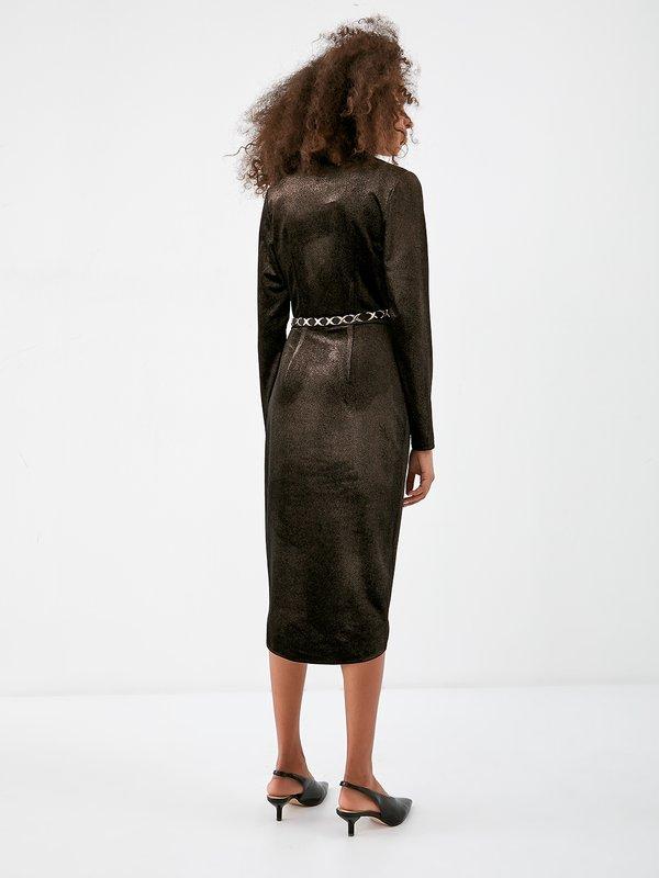 Платье из бархатистой ткани вид сзади