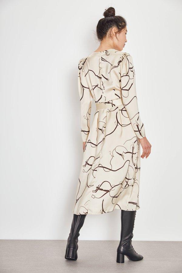 Платье с принтом вид сзади