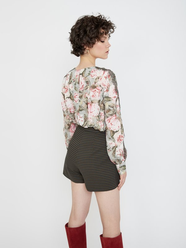 Блузка с контрастными вставками вид сзади