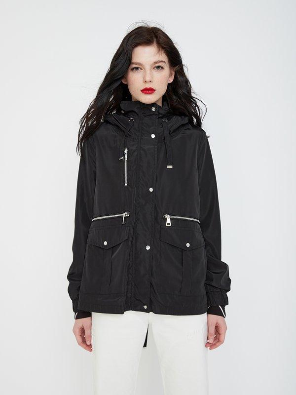 Куртка с капюшоном цвет: черный