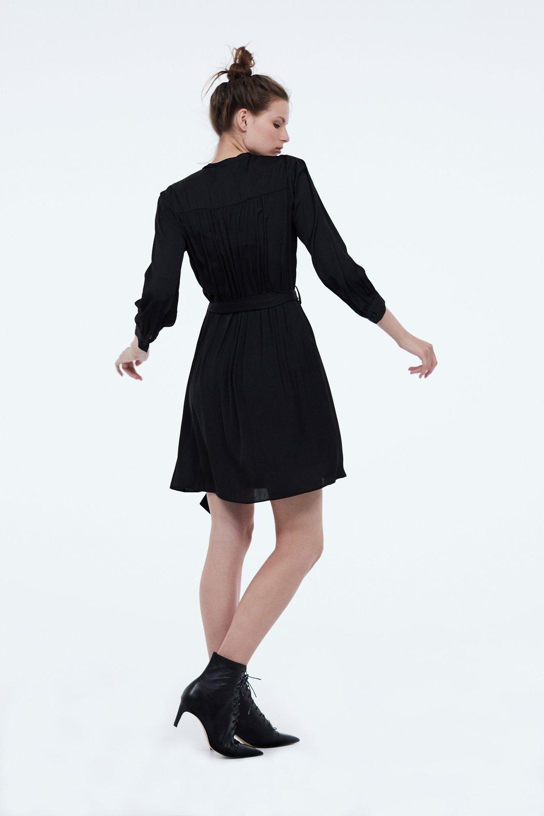 Платье с планкой на пуговицах