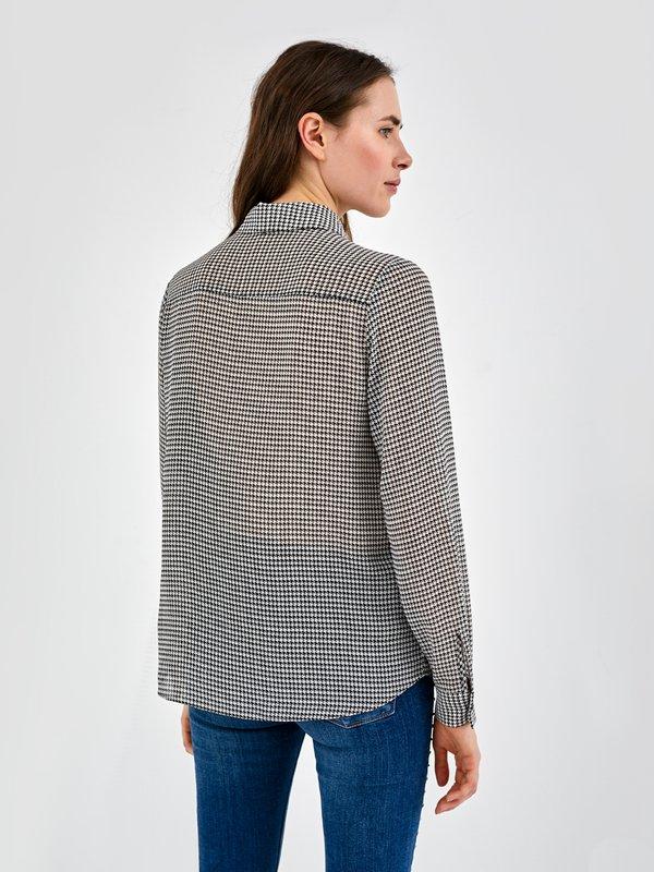 Рубашка с принтом гусиная лапка вид сзади