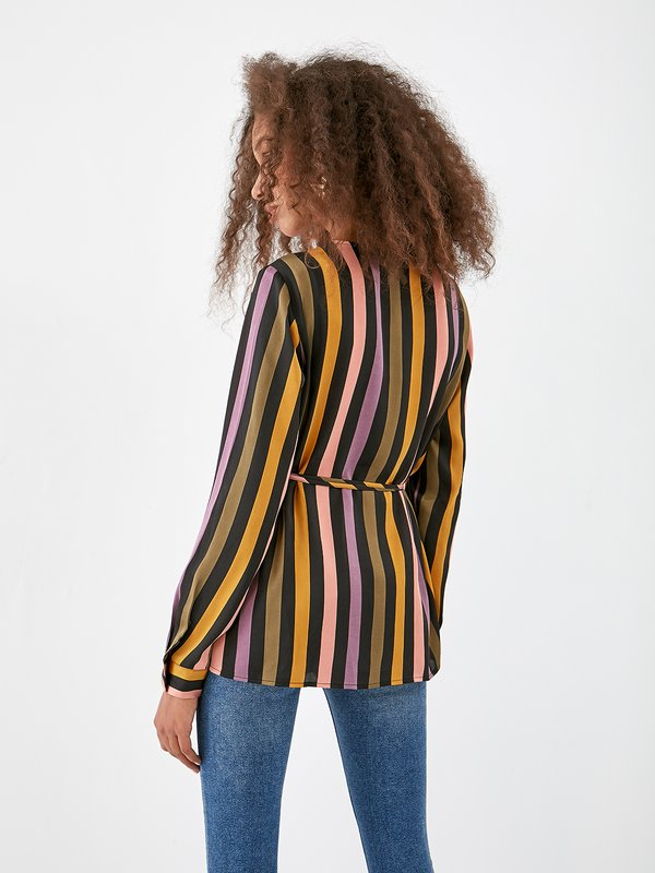 Блузка на запах вид сзади