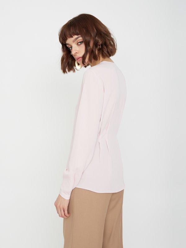 Рубашка на пуговицах вид сзади