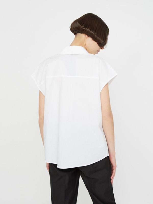 Рубашка с отложным воротником на пуговицах вид сзади
