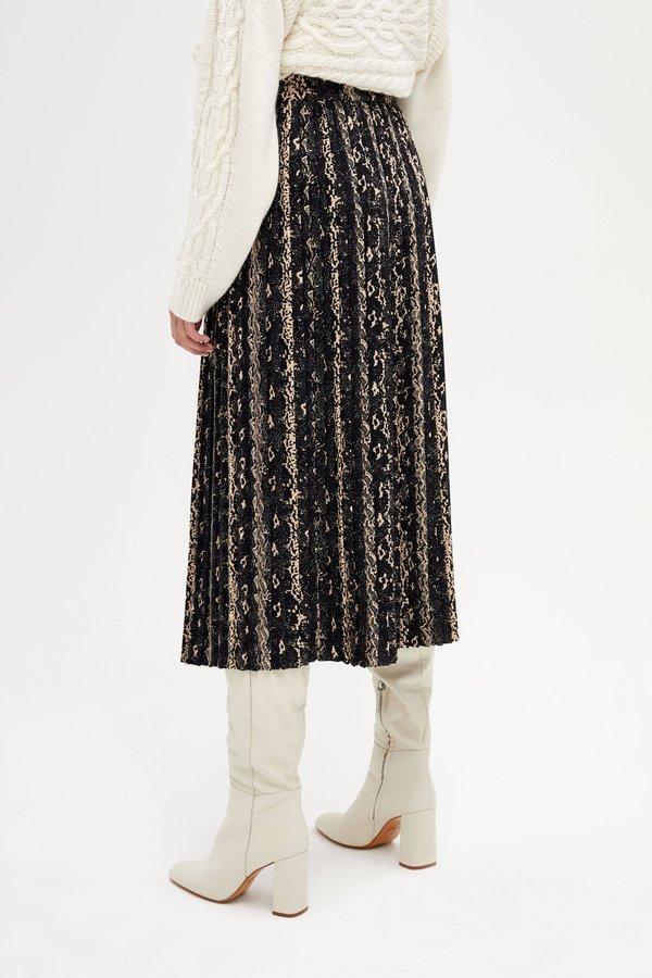Плиссированная юбка вид сзади