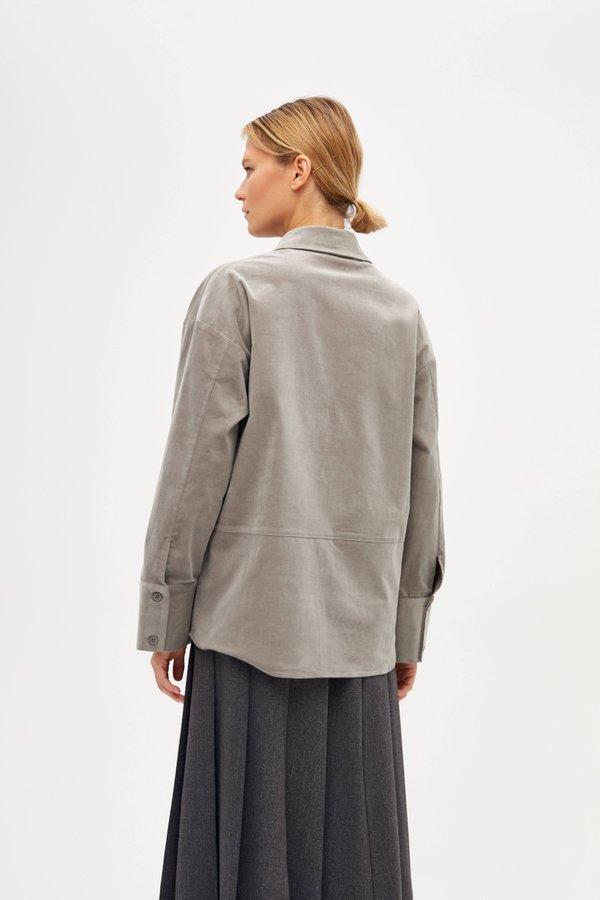 Рубашка с широкими манжетами вид сзади