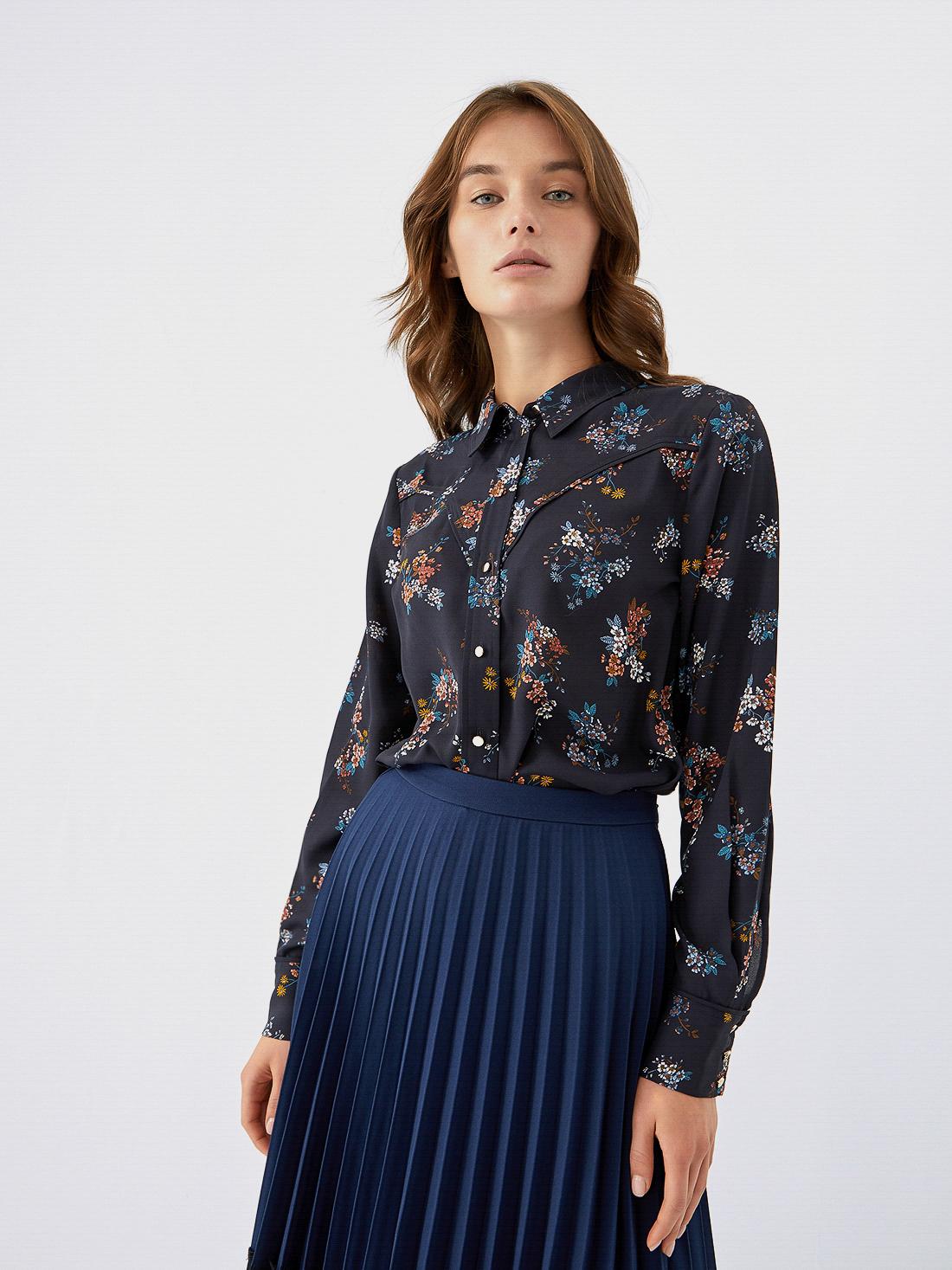 Рубашка с растительным принтом