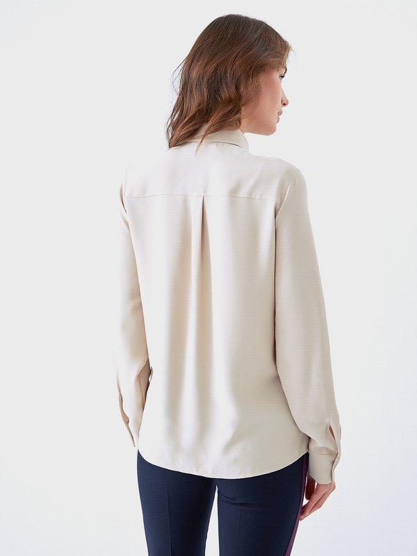 Рубашка со стразами на планке вид сзади