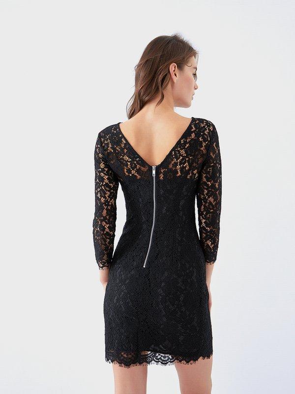 Платье из кружева вид сзади