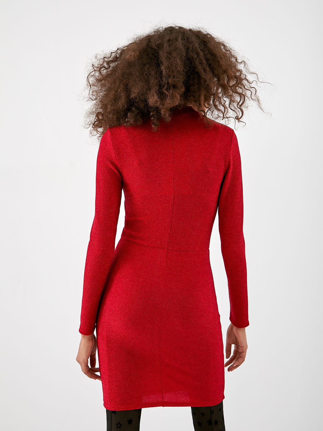 Асимметричное платье с защипами