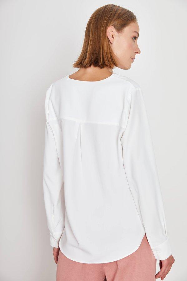 Рубашка в стиле OVERSIZE вид сзади