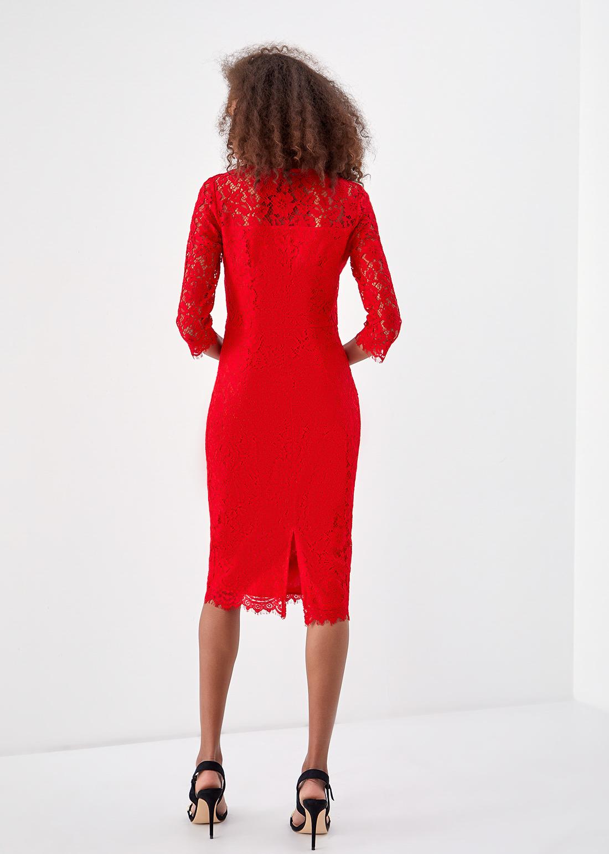 Облегающее платье из кружева