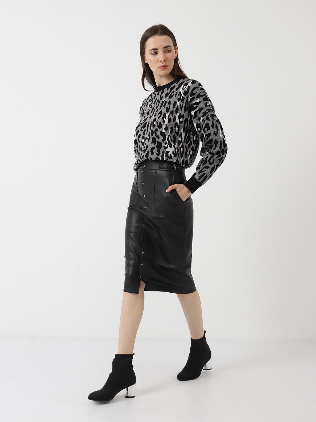 Удлиненная кожаная юбка