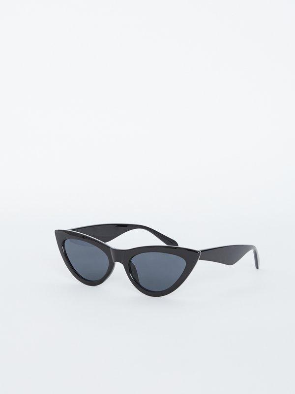 """Солнечные очки """"Кошачий глаз"""" вид сзади"""