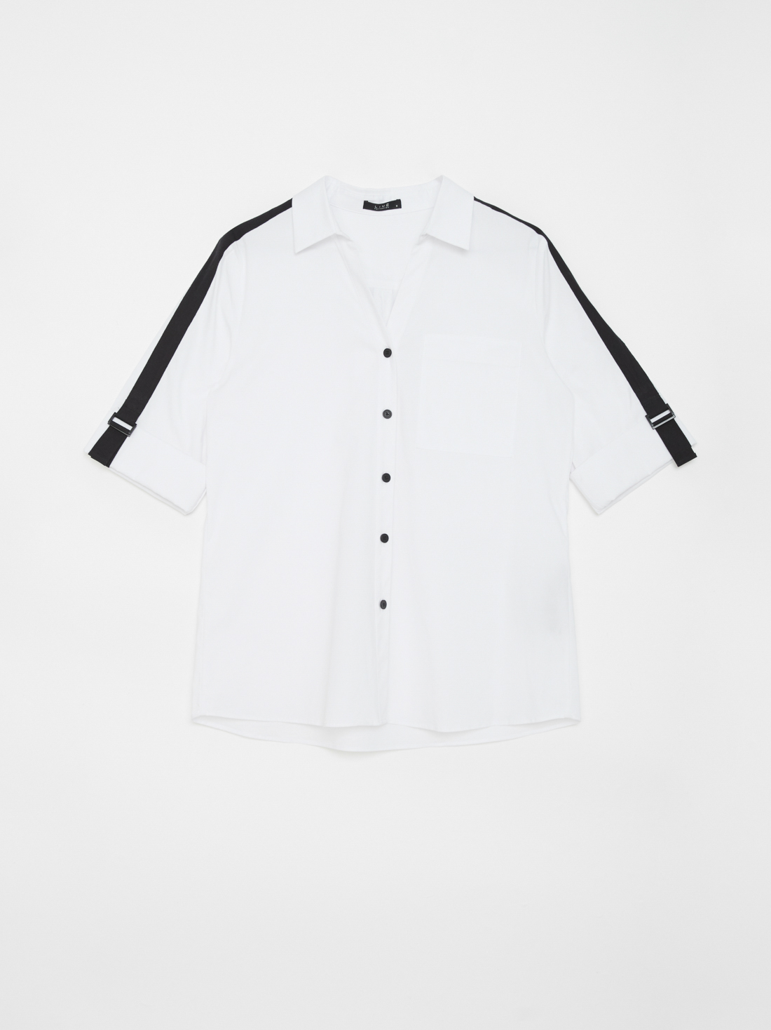 Рубашка с контрастными вставками на рукавах