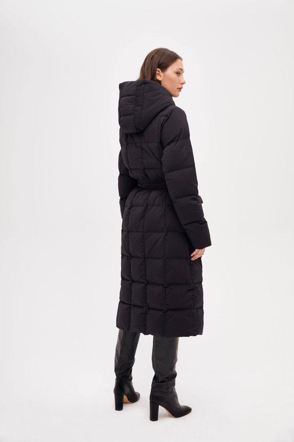 Удлиненная куртка вид сзади
