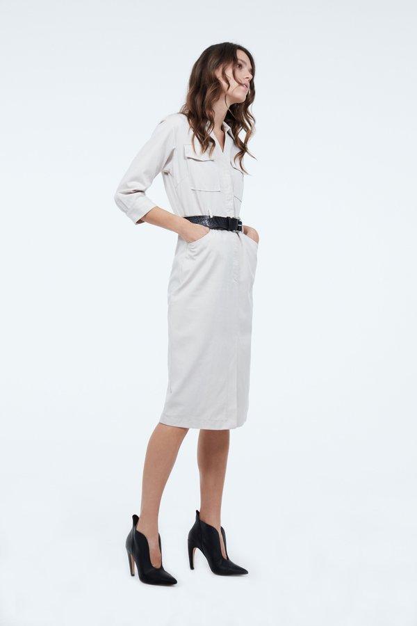Платье с контрастным ремнем