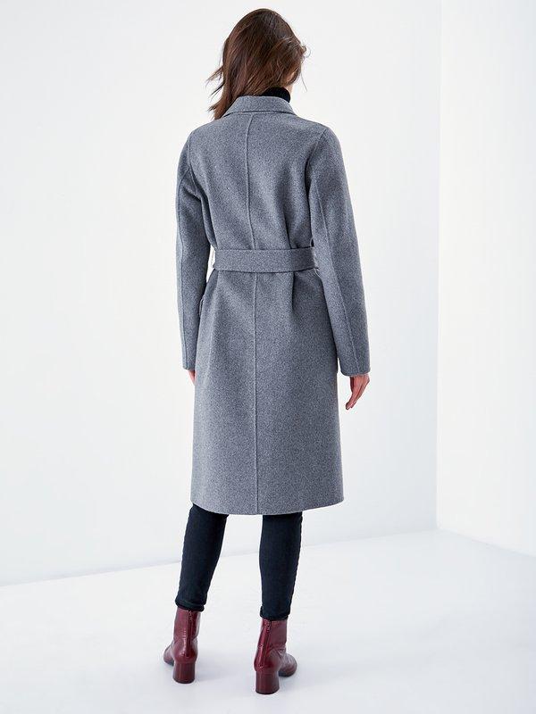 Пальто на запах вид сзади