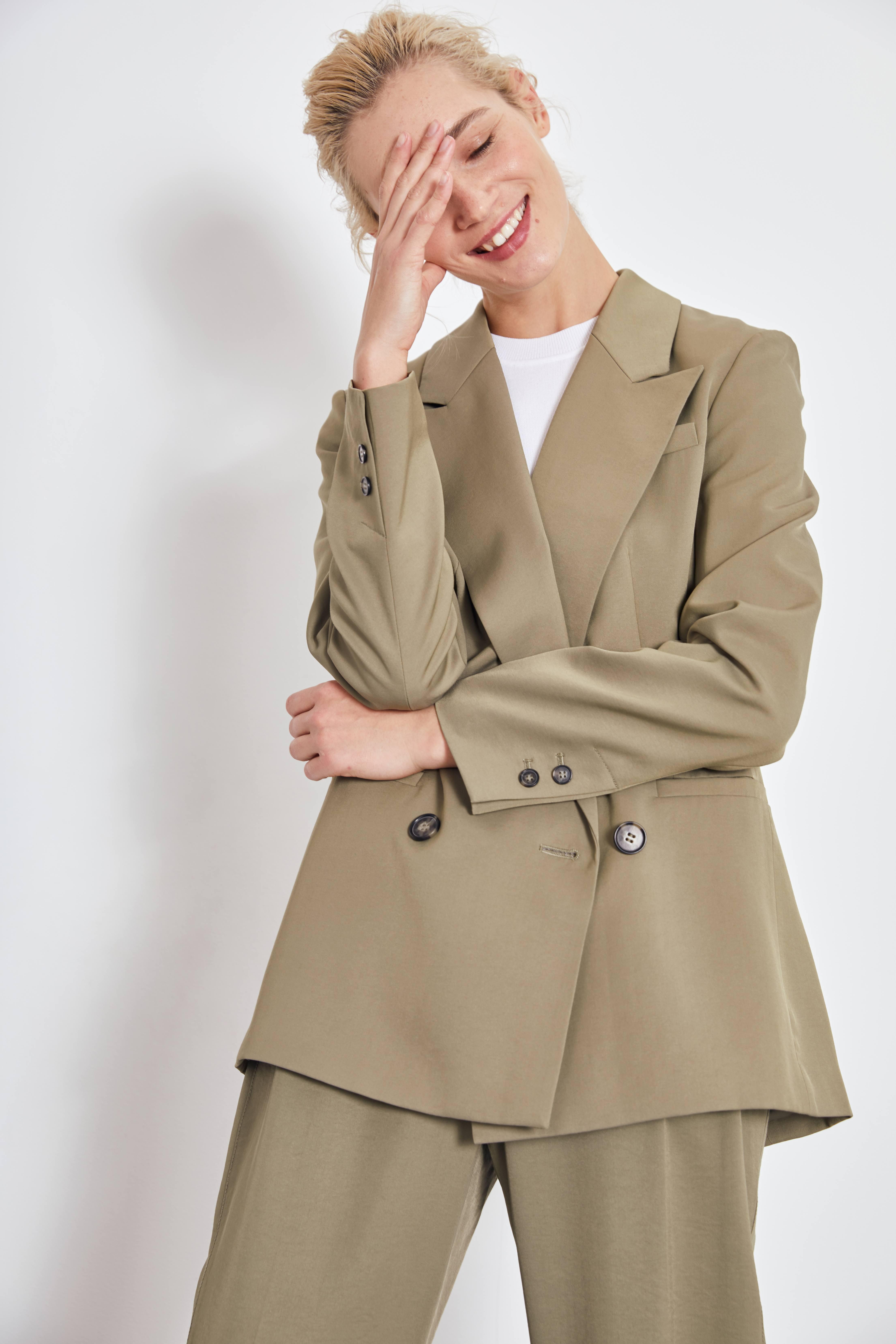 цена Жакет LIME Двубортный жакет онлайн в 2017 году