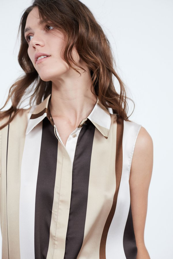 Рубашка без рукавов цвет: хаки