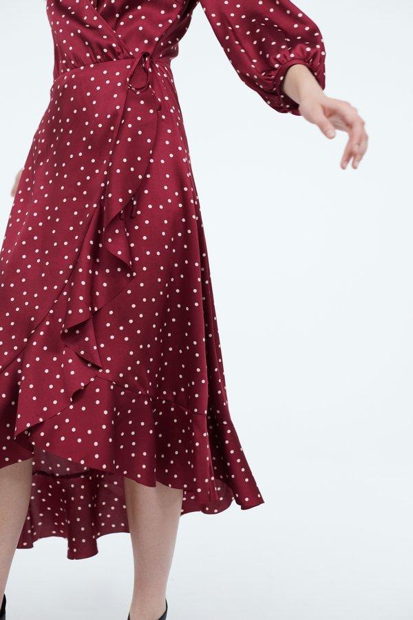 Платье с асимметричным низом и воланами