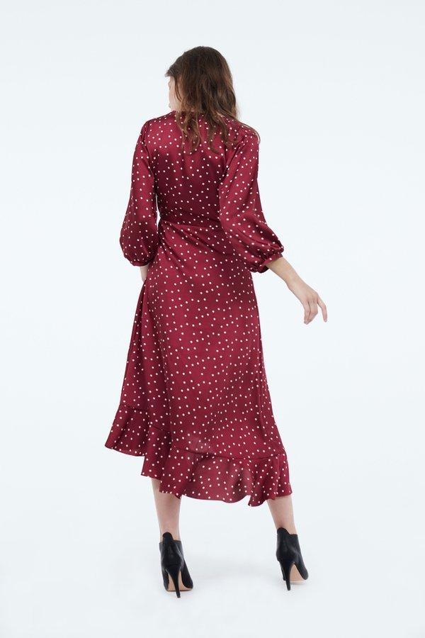 Платье с асимметричным низом и воланами вид сзади