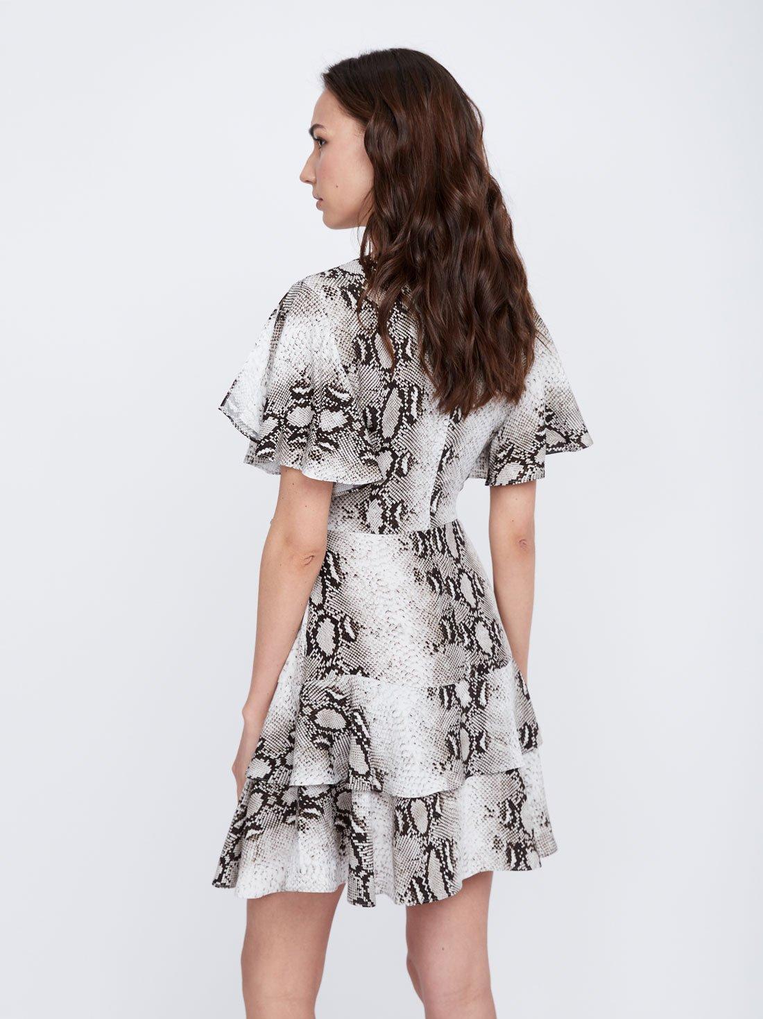 Платье с многослойными воланами