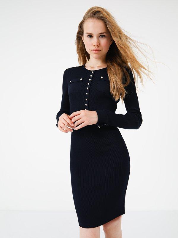 Платье по силуэту