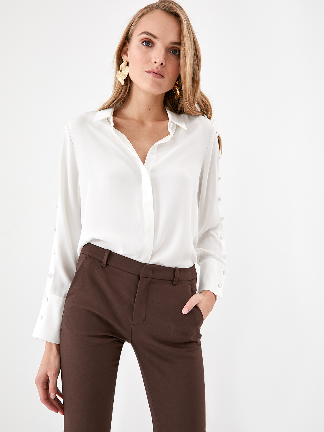Рубашка с декоративными пуговицами