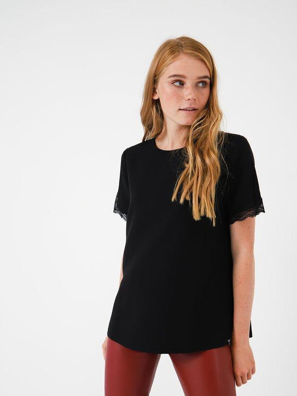 Блузка с кружевом цвет: черный