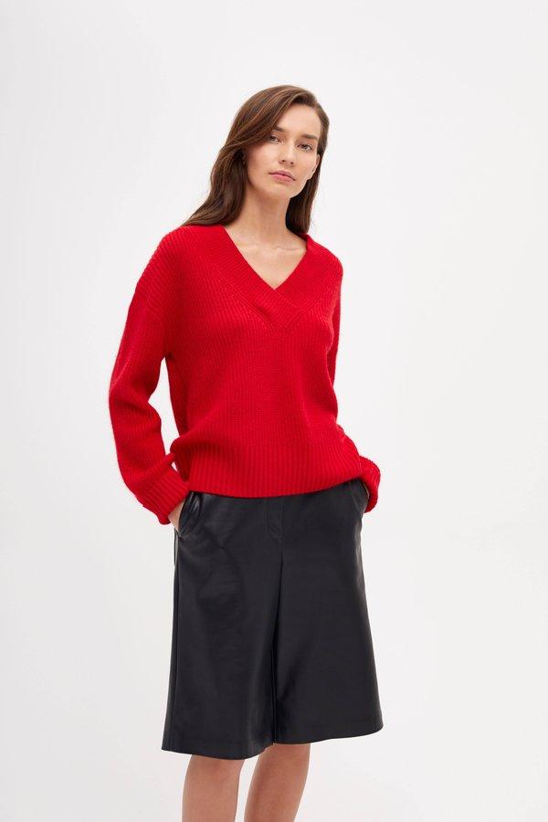 Джемпер с V-образным вырезом цвет: красный