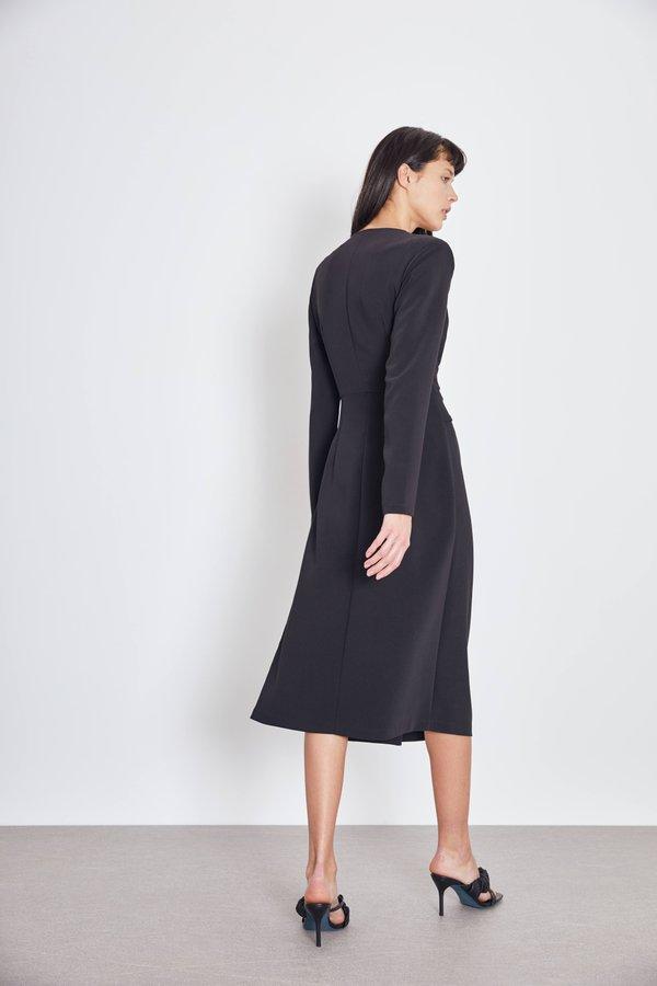 Платье с завязкой вид сзади