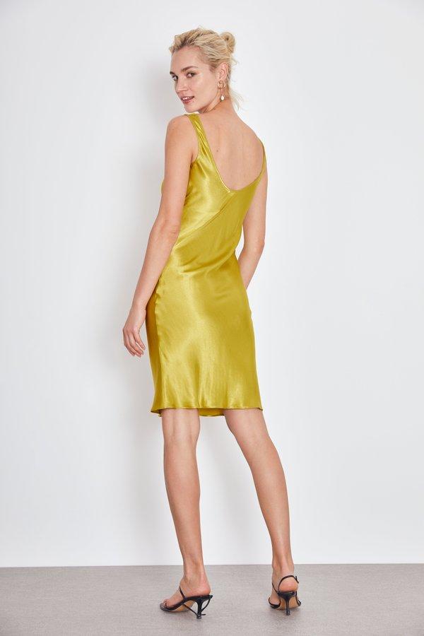 Платье в бельевом стиле вид сзади