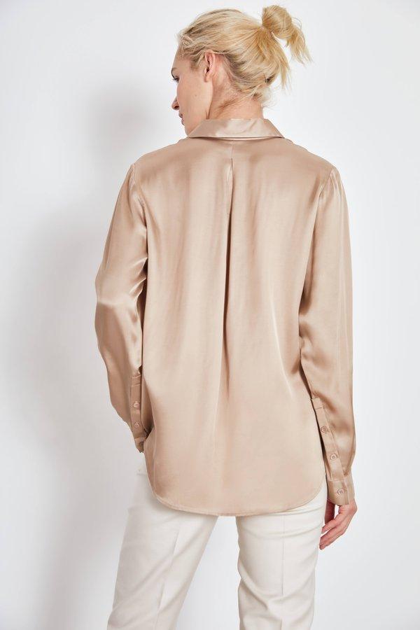 Рубашка из вискозы вид сзади
