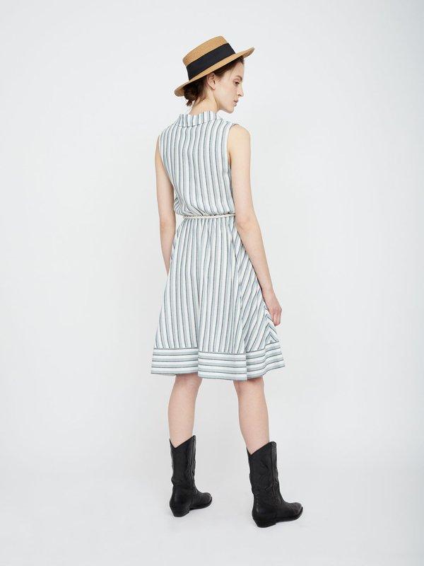 Платье из вискозы с поясом  вид сзади