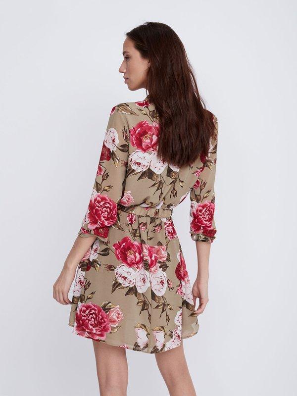 Платье с цветочным принтом вид сзади