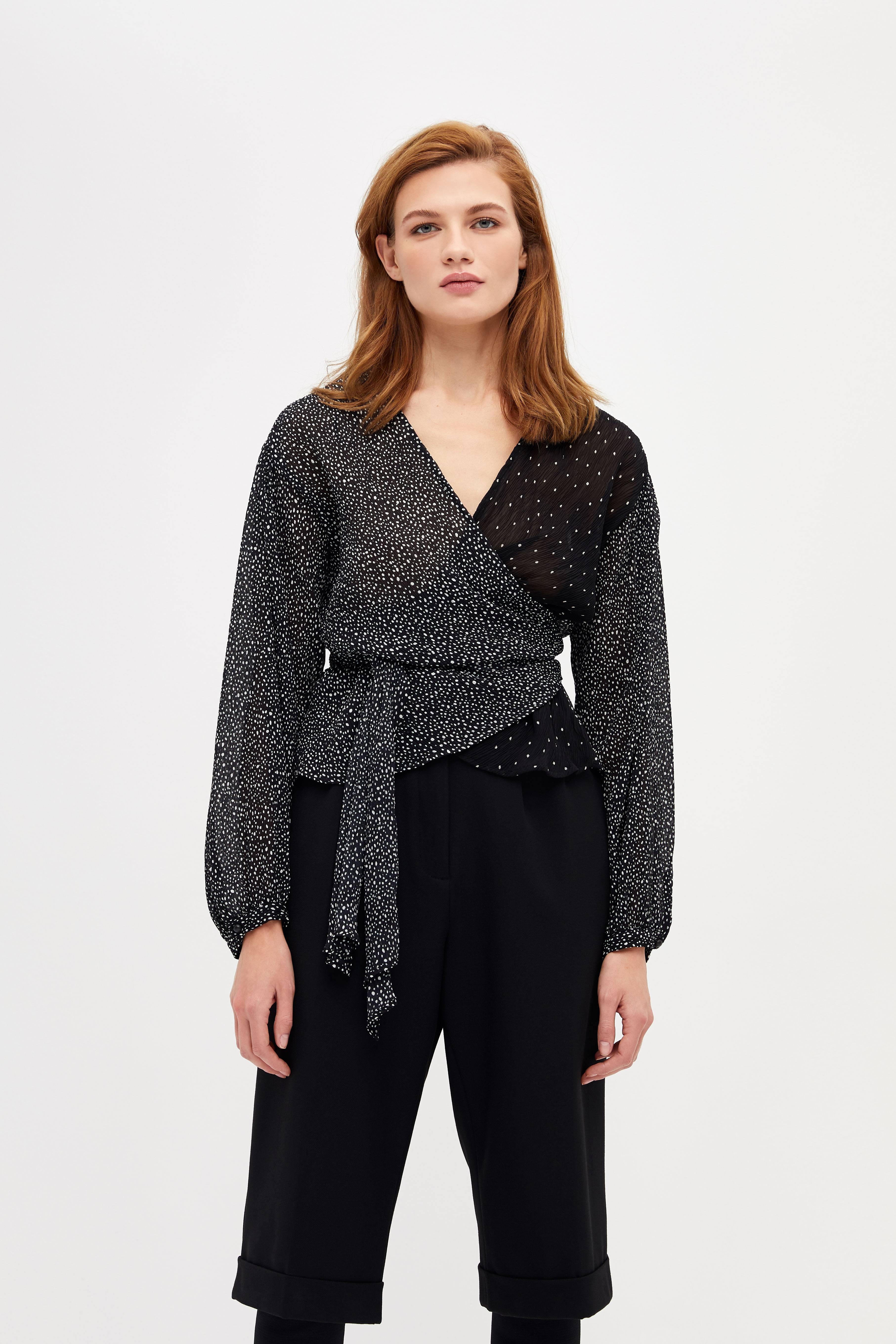 Блузка LIME Приталенная блузка на завязках блузка lime блузка с эластичной талией