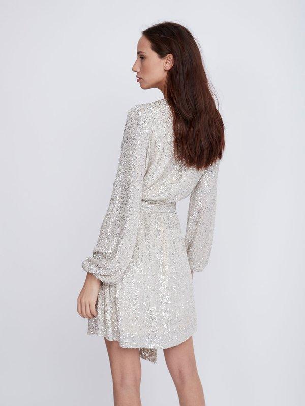 Платье с пайетками вид сзади