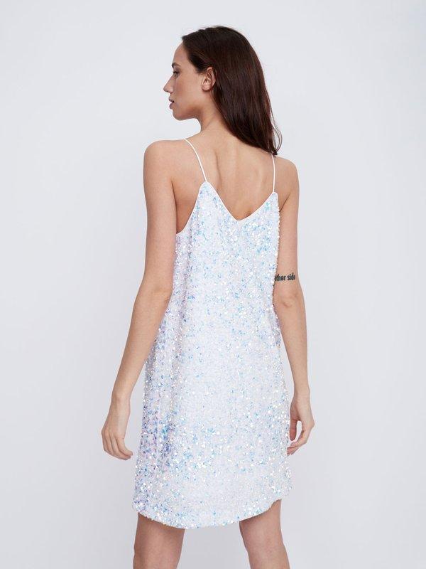 Платье с перламутровыми пайетками вид сзади