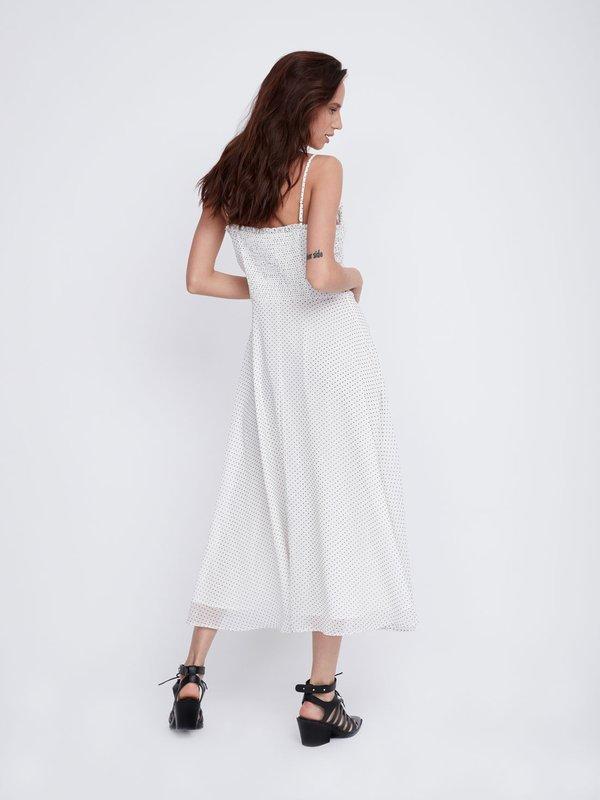 Платье на бретелях вид сзади