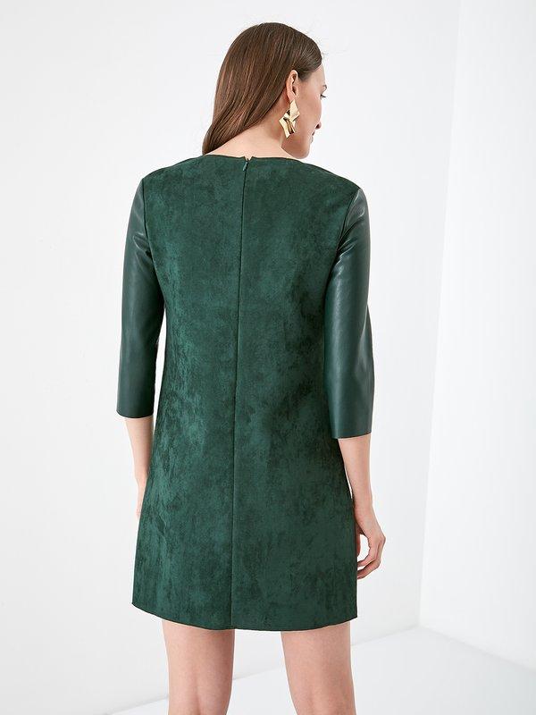 Платье с кожаным вставками вид сзади