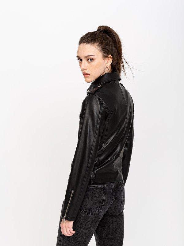 Куртка из экокожи вид сзади