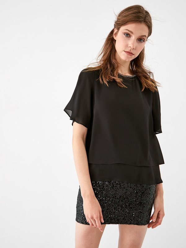Блузка с декоративной отделкой  цвет: черный