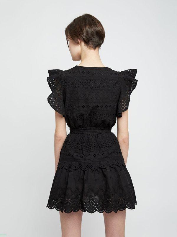Перфорированное платье с поясом вид сзади