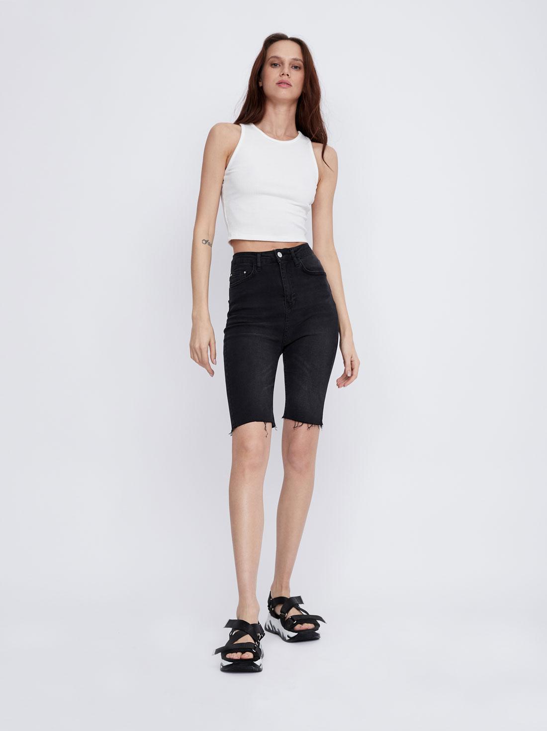Удлиненные шорты slim fit
